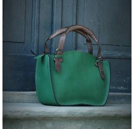 Kuferek ręcznie wykonany z wysokiej jakości naturalnej skóry z kopertówką zielony z brązowymi szelkami