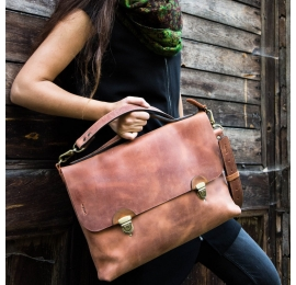 Leather laptop bag Large Ann in Ginger colour made by Ladybuq Art Studio