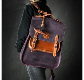 pojemny plecak z funkcją torby na ramię i do ręki wykonany z prawdziwej skóry w kolorze śliwkowym i rudym
