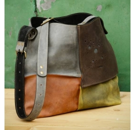 LEATHER BAG ALICJA WITH ONE STRAP FOUR COLORS MAGNET
