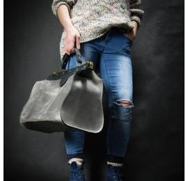 stylowa torba do ręki w kolorze szarym z czarnymi akcentami, torba medyczna od Ladybuq