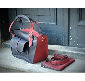 Handmade natural leather bag with a pocket, a strap and a clutch raspberry and graphite