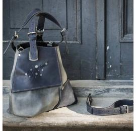 Skórzana torebka ręcznie wykonana z wysokiej jakości skóry Alicja z długim paskiem w kolorze szarnym i grafitowym