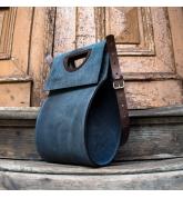 torebka o unikalnym kształcie z długim, odpinanym paskiem, elegancka torba do pracy lub na co dzień