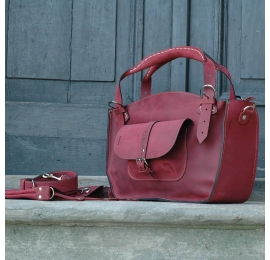 Tote bag vintage style handmade with a pocket, a strap and a clutch raspberry natural leather