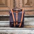 Skórzana damska torebka lub plecak Molly w kolorze Śliwkowym z oryginalnymi paskami w kolorze Pomarańczowym od Ladybuq