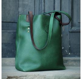 Zuza torebka zapinana na magnes w kolorze Zielonym wykonana z pięknej, naturalnej skóry przez Ladybuq Art