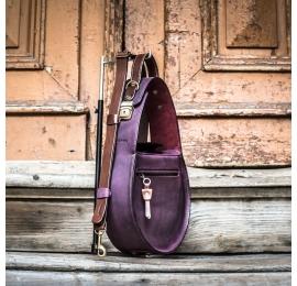 sac en cuir spacieux de couleur prune fabriqué par ladybuq