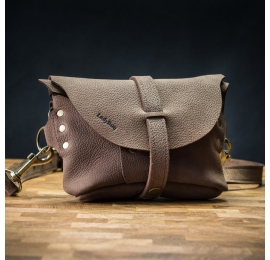 Leather fanny pack/crossbody purse made by Ladybuq in Brown color