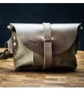Skórzana nerka/torebka na ukos od Ladybuq w kolorze Vintage Brown z welurem Khaki