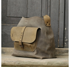 Leather bag Alicja with one strap and a large pocket color grey and khaki.
