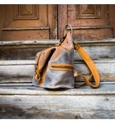 skórzany ręcznie wykonany plecak w kolorach brązowym i szarym od ladybuq art