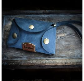 Mały, skórzany, ręcznie wykonany pokrowiec na klucze w kolorze Granatowym od Ladybuq