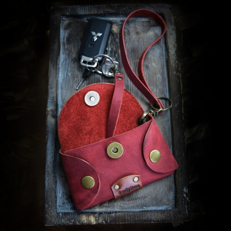 handy key cover made out of high quality leather in Raspberry color