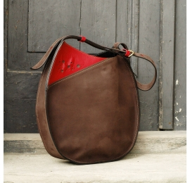 Lusi z jednym paskiem w brązowym kolorze unikalna torebka na każdą okazję od Ladybuq Art