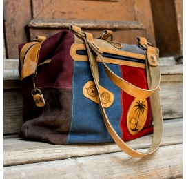 kolorowa torba na lato z unikalnymi grawerowanymi elementami