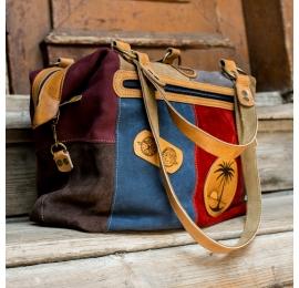 sac d'été coloré avec des éléments gravés uniques