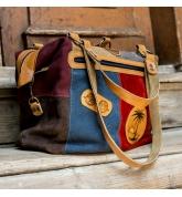 Duża kolorowa skórzana torba z długim paskiem na ukos i odpinaną podszewką od Ladybuq Art