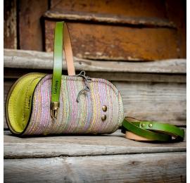 torebka z limitowanej kolekcji pepa w kolorowe paski, mała torebka z akcentami w kolorze limonki
