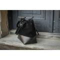 Ręcznie wykonana torebka skórzana od polskich projektantów Alicja kolor czarny.