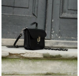 Beautiful bag with crossbody strap and a handle will fit every outfit perfectly