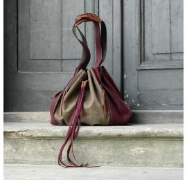 Sac de couleur Marlena Khaki et Claret fabriqué par le studio d'art Ladybuq, un sac shopping unique