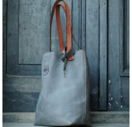 Zuza Grey with straps in unique colour, bag with magnet closure with antique gold leather fittings