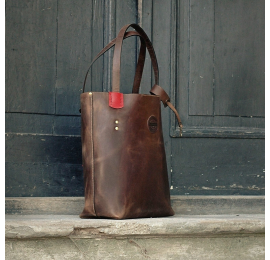 Zuza with exterior zippered pocket in Brown colour with Red accents, original vintage style bag