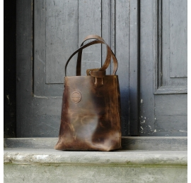 Leather shopper bag made by hand out of natural polish leather made by ladybuq art