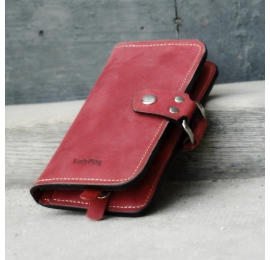 Leather wallet in Raspberry color with slot for cheque book and slots for 14 cards