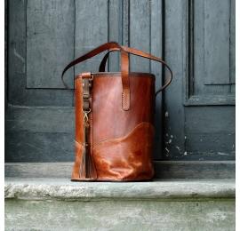 Julia w kolorach koniak/rudy unikalna torebka od polskich projektantów Ladybuq Art Studio