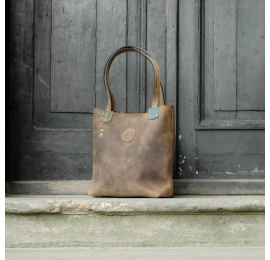 Leather bag in oversize style Zuza Brown stitched by hand perfect shopper and office laptop bag