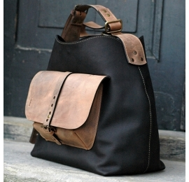 Leather bag Alicja with one strap color black.