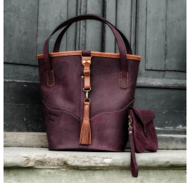 leather shoulder bag made by Ladybuq Julia in Plum color