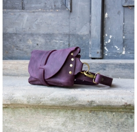 Fanny pack / cross body leather bag Size M plum color