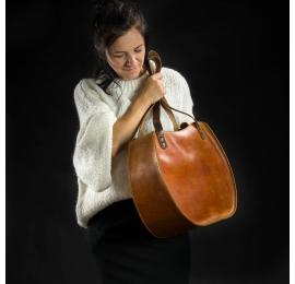 """Tasche """"Basia"""" Kamelfarbe einzigartige Tasche von polnischen Designern Ladybuq Art Studio gemacht"""