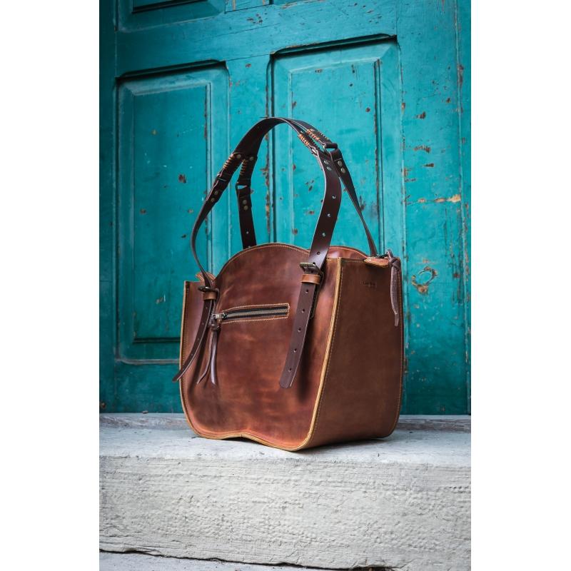63298167489a2 Ręcznie wykonana torebka skórzana Kuferek w minimalistycznym stylu vintage.