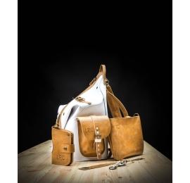 Biały zestaw czyli plecak, portfel, kopertówka, smycz .