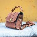 Torebka wizytowa elegancka torebka w kolorze rudym
