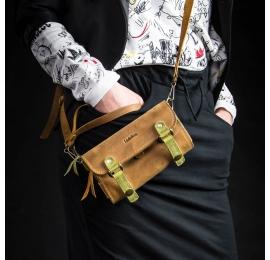 Stylowy portfel skórzany ręcznie robiony z paskiem w kolorach camel i niebieski oraz whiskey i limonka
