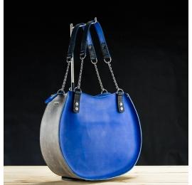 sac rond en cuir Basia fabriqué par Ladybuq Art dans les couleurs saphir et gris