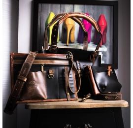 Ręcznie wykonany skórzany zestaw w kolorze Czarnym z dodatkami w kolorze Rudym oraz Brązowym
