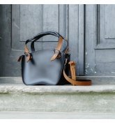Leather Bag Kuferek SMALLER SIZE with a strap and a clutch, black and whiskey